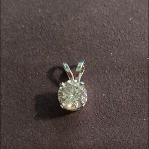 Jewelry - 1.01ct Genuine Round Diamond Pendent